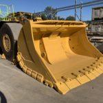 CAT R2900 underground loader bucket