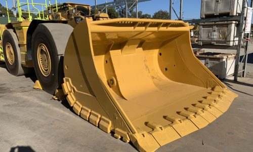 CAT R2900 underground loader bucket