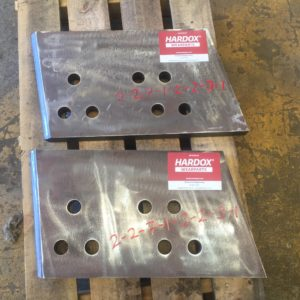 Example of mining equipment spare parts for sale:Dozer Blade weld-in corner tip - CAT D10